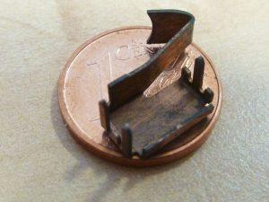 Gebogener Kontakt - Vergleich 1 Cent Münze