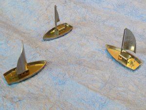 Schiffe aus gebogenen Teilen